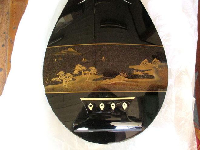 琵琶の漆器修理完了