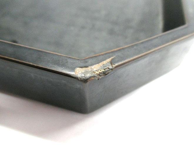折敷の破損箇所