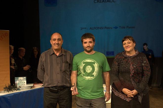 Petru entouré de Colomba Sansonetti et M. Franco Farsetti
