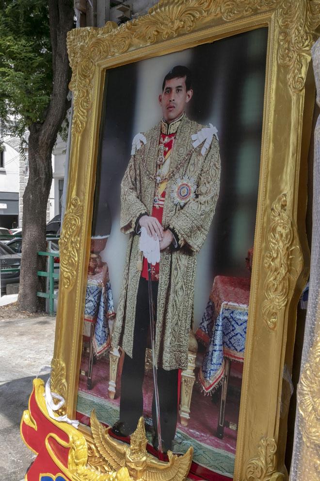 Karaliaus Vajiralongkorno portretas Bankoko gatvėje