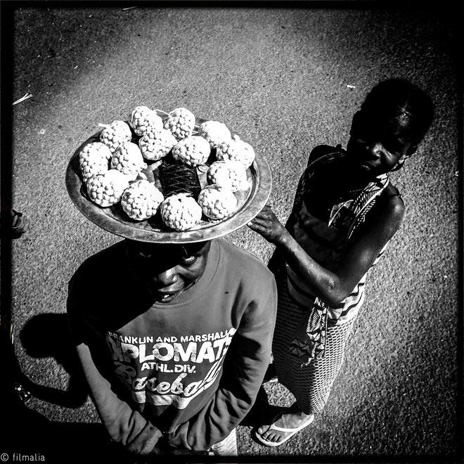 Vendedora de cacahuetes. Carretera de Gao. Malí