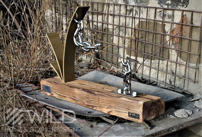 Exklusive Trophäe aus Holz und Metall