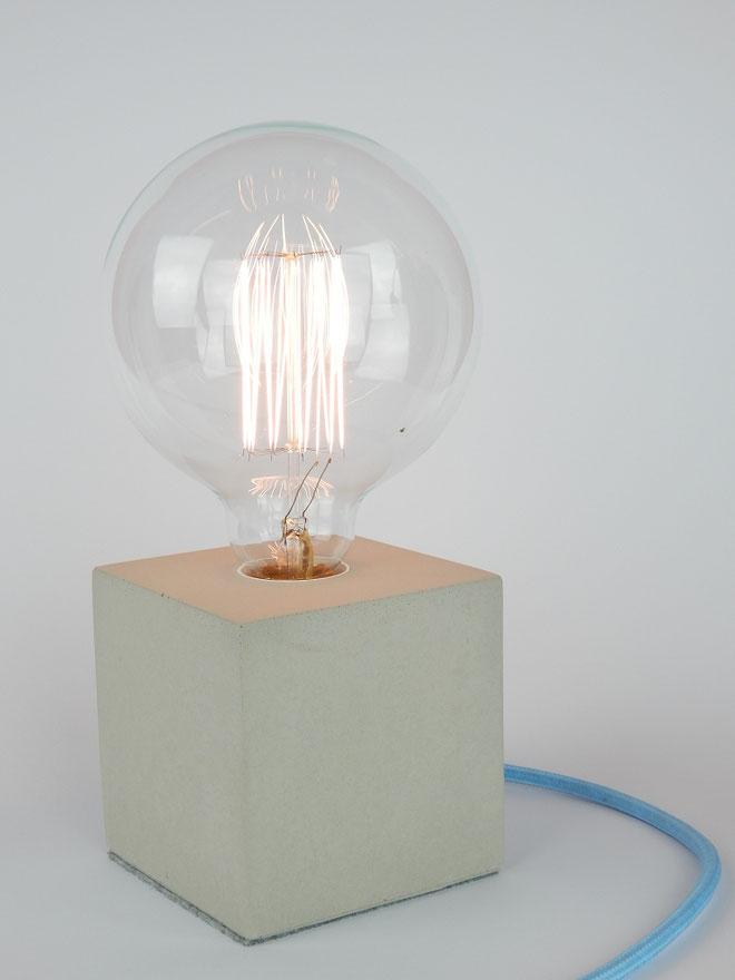 """Cube Betonlampe mit Textilkabel """"light Blau"""""""