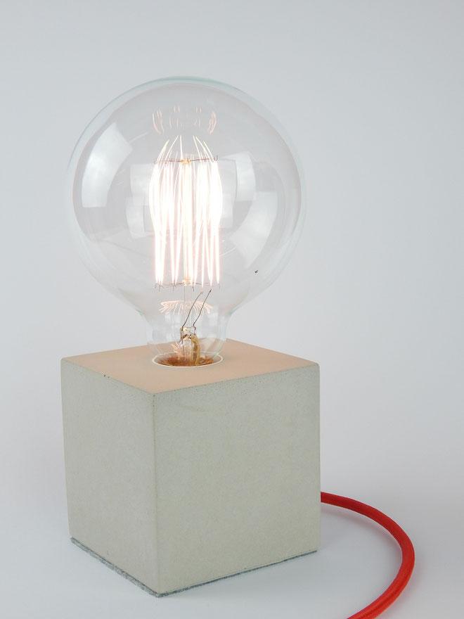 """Cube Betonlampe mit Textilkabel """"Rot"""""""