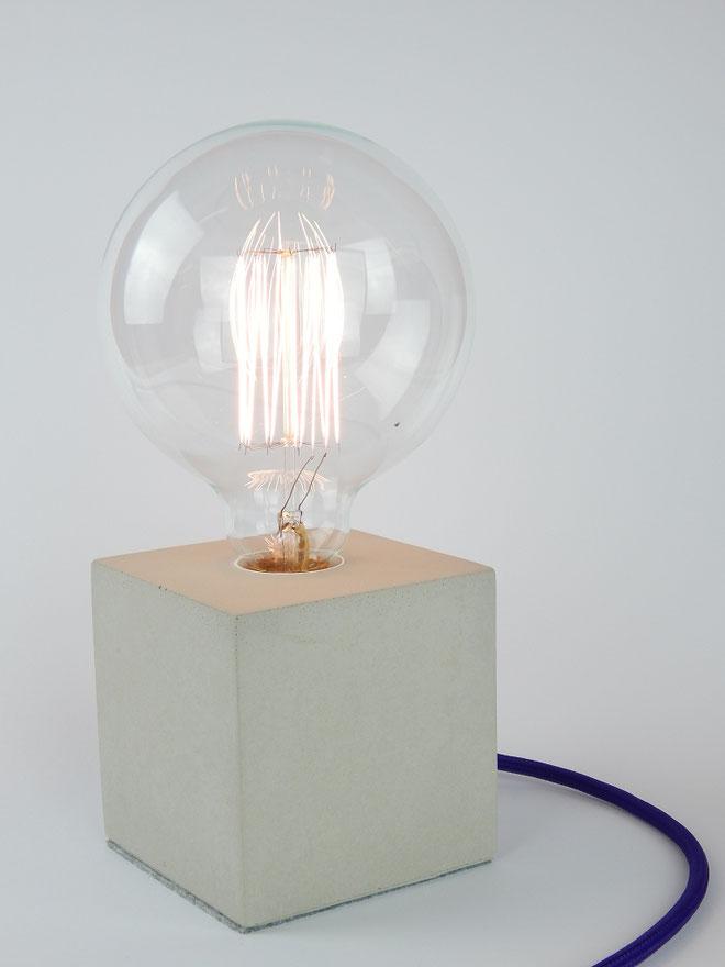 """Cube Betonlampe mit Textilkabel """"Violett"""""""