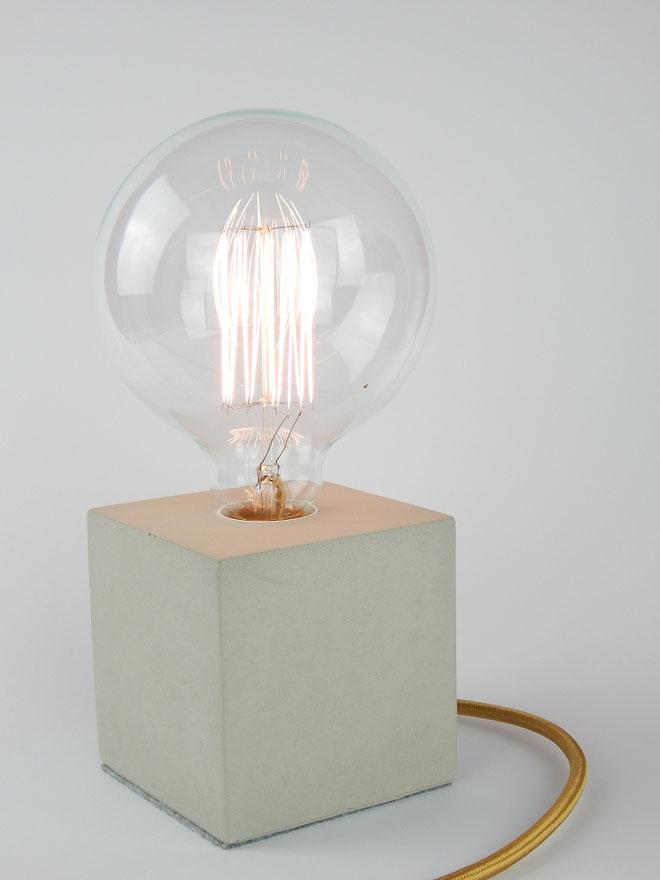 """Cube Betonlampe mit Textilkabel """"Gold"""""""