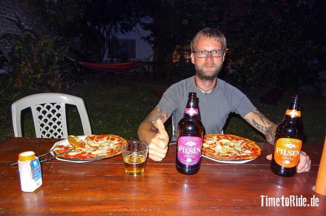 Uruguay - Südamerika - Reise - Motorrad - Honda Transalp - Endlich mal wieder Pizza und Bier - Montevideo