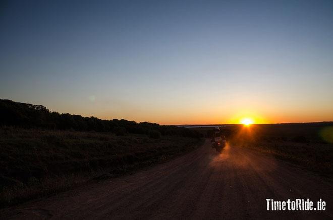 Uruguay - Südamerika - Reise - Motorrad - Honda Transalp - Fahrt in den Sonnenuntergang zur Laguna Negra
