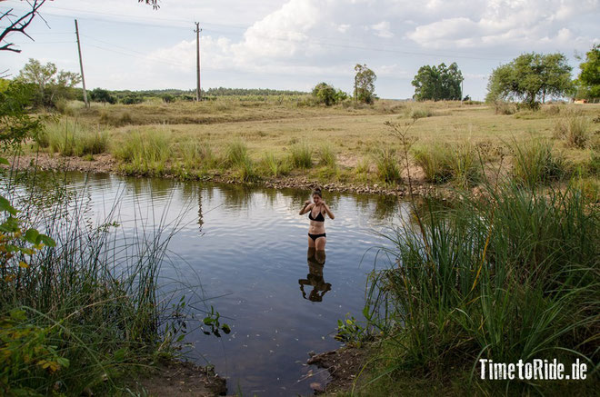 Uruguay - Südamerika - Reise - Motorrad - Honda Transalp - Camping an einem kleinen Fluss nahe Minas