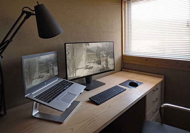 ノートPCをメインにした自宅でのワークスタイル