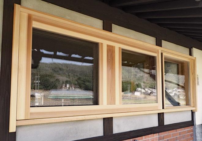 木製3連窓