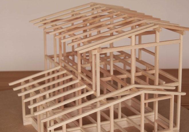 7月25、26日に建前予定の軸組模型
