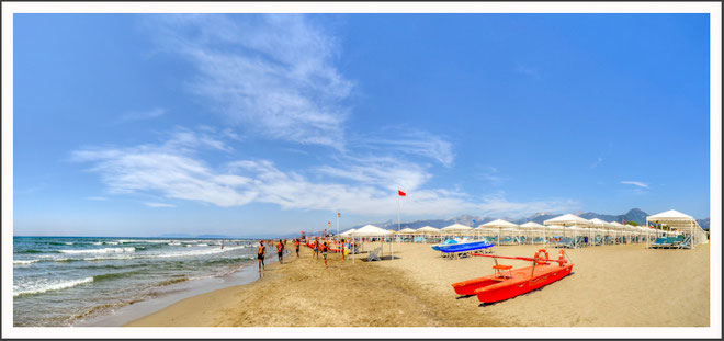 La spiaggia bagno brunella e ada beach stabilimento balneare a lido di camaiore versilia - Bagno brunella lido di camaiore ...