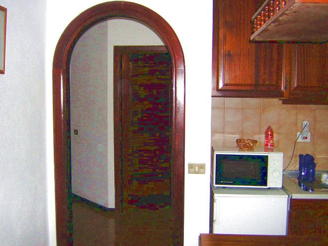 Flur zu Bad und grossem Schlafzimmer in der Ferienwohnung mit Pool auf teneriffa in Los Christianos