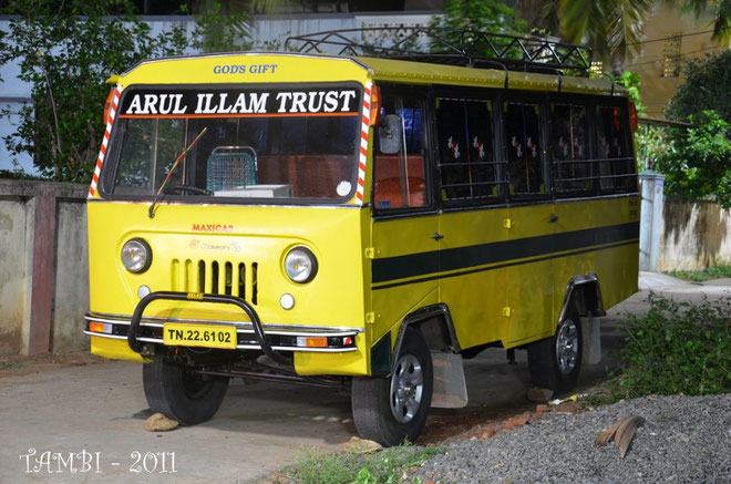 Bus scolaire de Thambi Illam