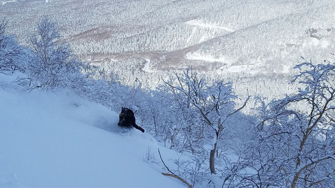 Furanodake-backcountry-ski-guide-Japan