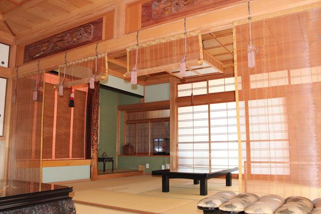 本堂の和室の写真です。