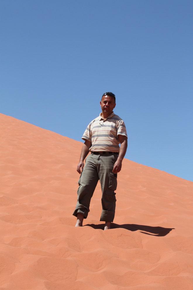 Wael auf der roten Sanddüne.