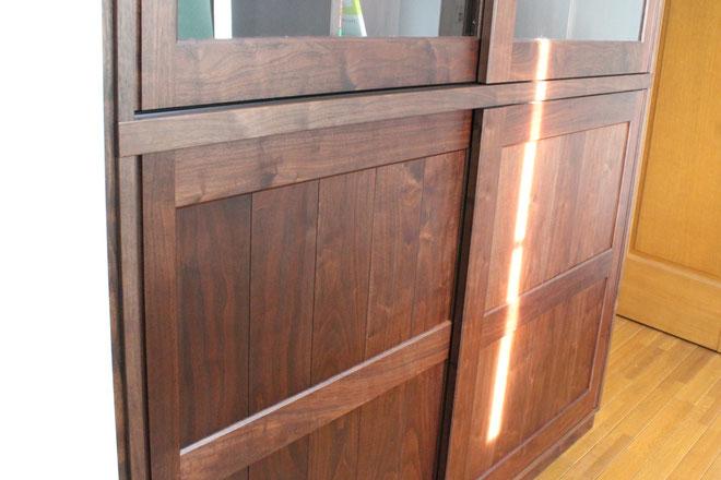 書斎に造り付けした巨大キャビネット(杉並区・K様邸)框戸