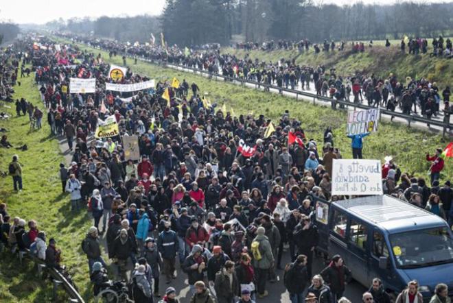 Folkelig protest imod lufthavnsprojektet i Notre-Dame-des-Landes