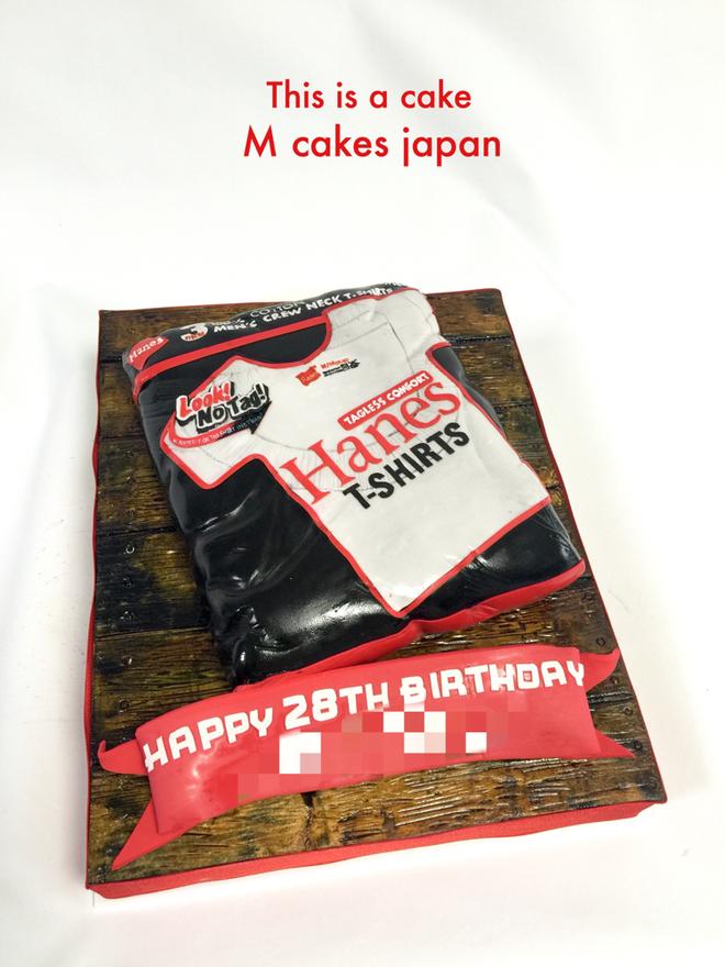 Hanes パックTシャツ型ケーキ🍽 #Hanes #Pack #tshirts #fondantcake #cake #ケーキ #tシャツ #おもしろ #ヘインズ #誕生日ケーキ #japan