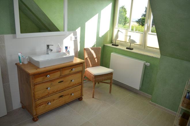 naturholz waschtisch mit meeres sehnsucht land liebe. Black Bedroom Furniture Sets. Home Design Ideas
