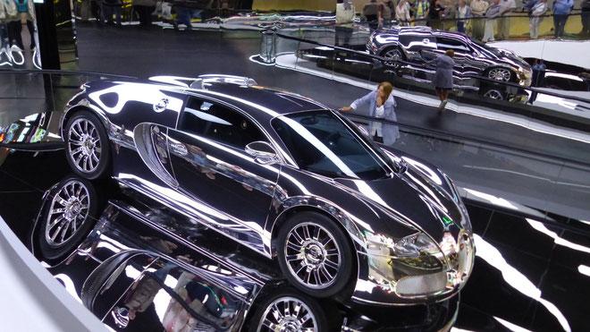 Auch ein VW Spross: Bugatti Veyron 16,4    16 Zylinder, 1200 PS, 431 km/h in 2,5 Sekunden von Null auf 100