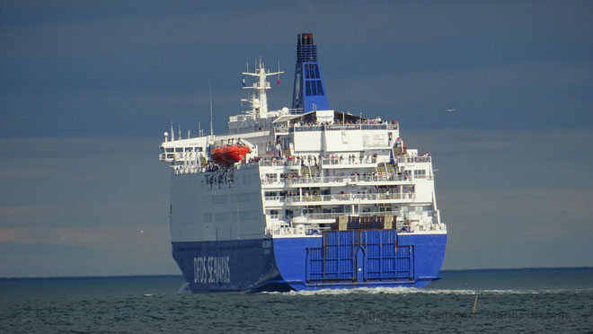 King Seaways quittant le port de North Shields en direction d'IJmuiden.