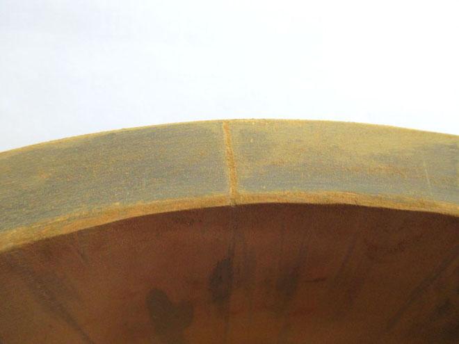 寿司桶 破損箇所を接着剤で埋める