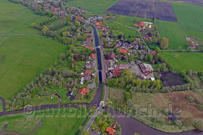 Blick auf Westgroßefehn mit Mühle