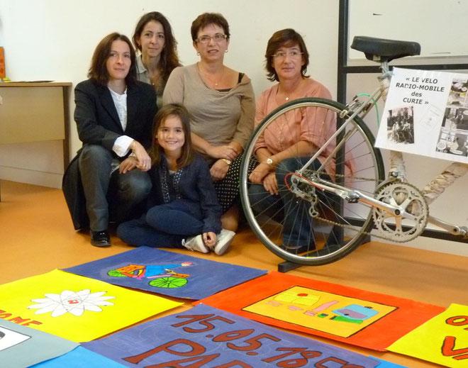 Un travail d'équipe autour de Katia Duborget et Janine Vittori (au centre)