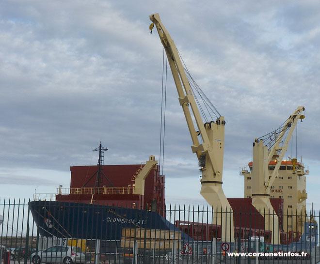 Les éléments de la future centrale sont arrivés jeudi matin au port de Bastia