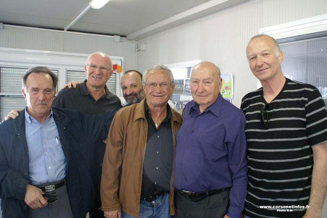 Victor Serafini (deuxième à partir de la droite) en compagnie de Jacques Giraldi, Jean Poligani, Batti Fusella, Louis Tinti et Louis Casanova : souvenirs, souvenirs