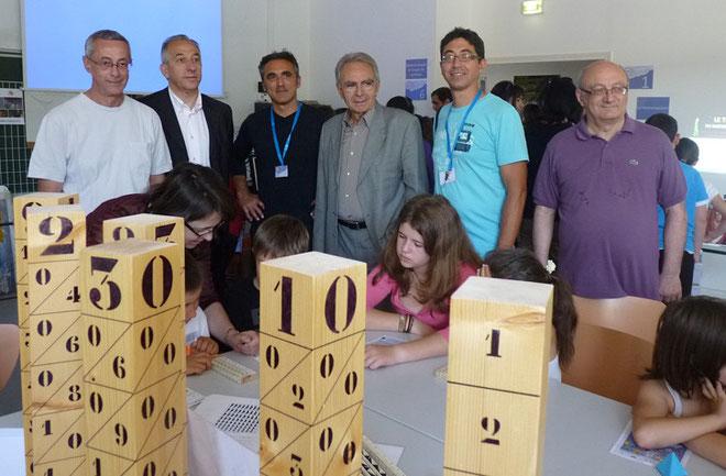 Xavier Poli, Pierre Ghionga, Antoine Sindali et Antoine Ferracci (à droite) avec les représentants de Math pour tous