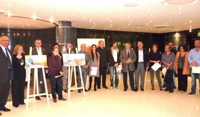 Les lauréats avec les élus et les membres du jury