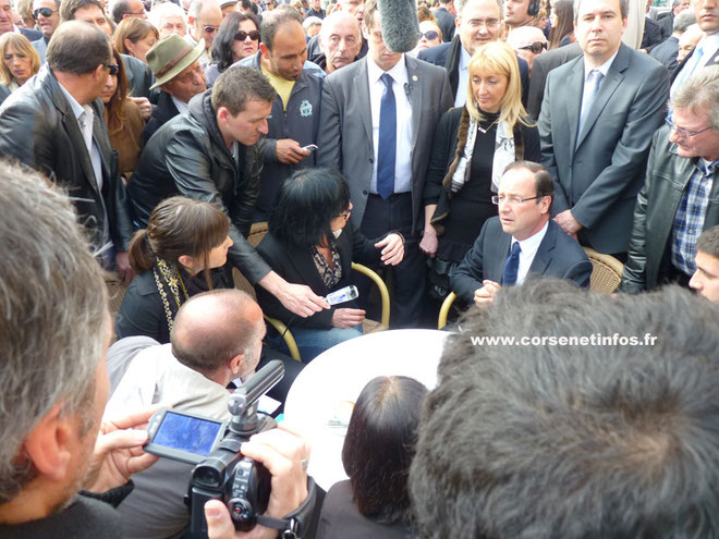 François Hollande à Bastia lors de sa rencontre avec les représentants du collectif des victimes du 5 Mai