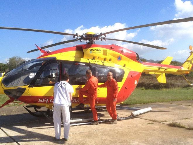 L'hélicoptère de la Sécurité civile et son équipage. (Photos J.F)