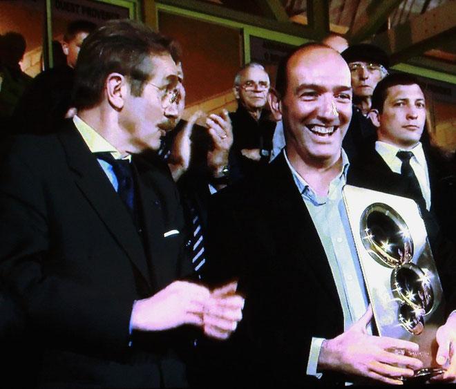 Frédéric Thiriez a remis le trophée de champion à Pierre-Marie Geronimi