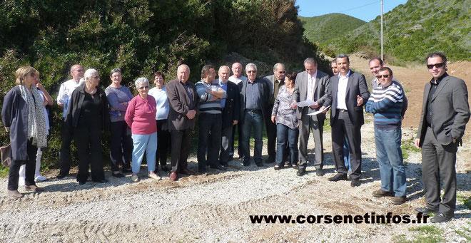 Les élus du Cap Corse rassemblés autour de François Tatti et Ange-Pierre Vivoni, maire de Sisco