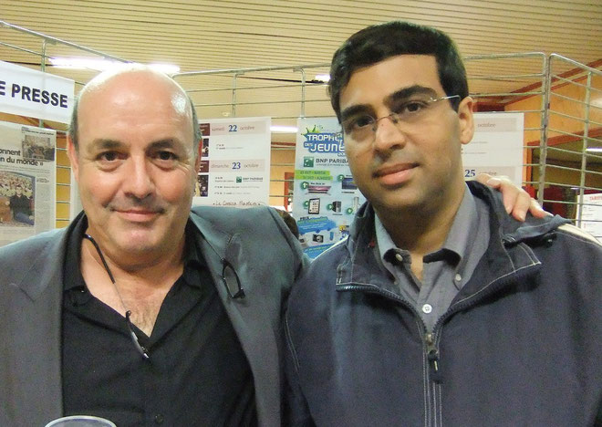 Léo Battesti avec le champion du Monde Vishy Anand