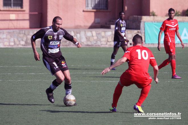 Quadruplé pour Foued Kahlaoui