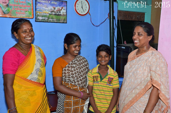 From the left : Mrs Jospeen, social worker of Asha Nivas, Suresh's mother, Suresh and Sister Amala from Asha Nivas - july 2015