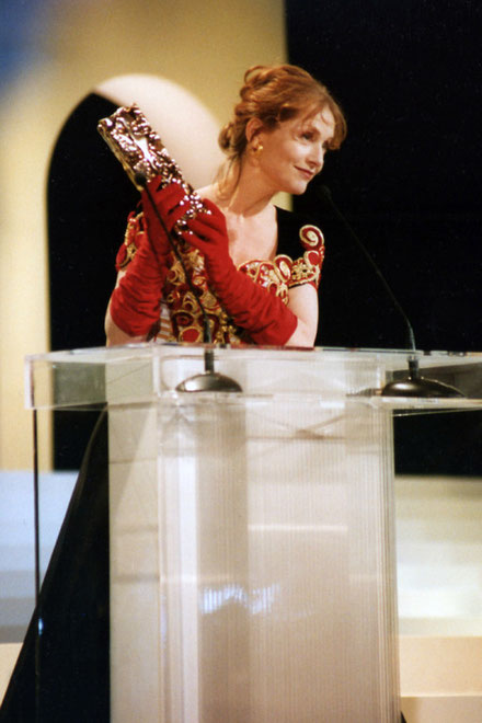 """Isabelle HUPPERT - Cérémonie des """"César"""" - Paris - 1997 © Anik COUBLE"""