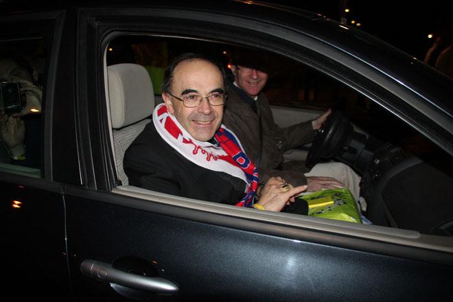 Cardinal Philippe BARBARIN, Archevêque de Lyon, à la sortie du Match OL/PSG - Lyon - Photo © Anik Couble