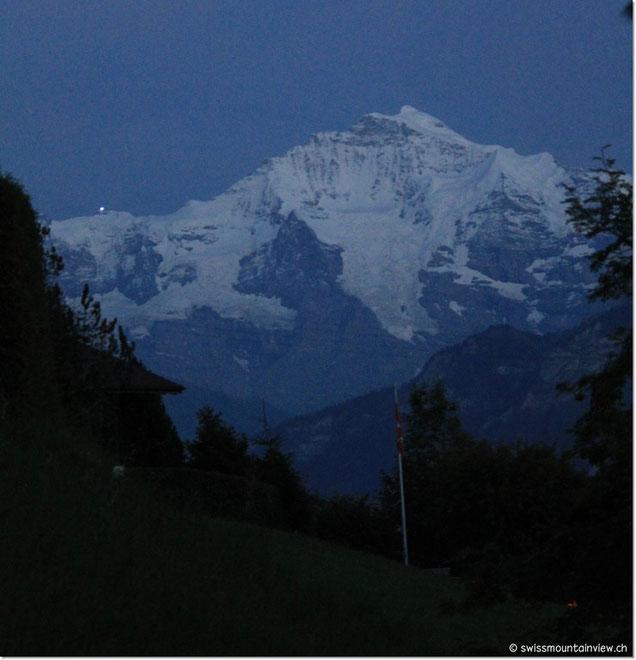 ...und nach der Rückkehr leuchtet das Licht auf dem Jungfraujoch.