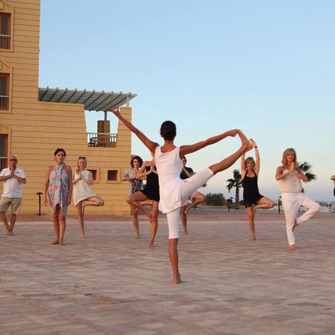 Yoga Incentive Egypte / o.l.v. Brigitta Callens / Bedrijf: Noir et Blanc Accessoires
