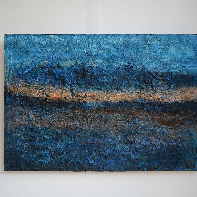 Titel; Rotsblauw, 70 x 100 cm, linnen, Gesso, zand, acryl. mat finish. Februari 2018. Prijs € 500,=