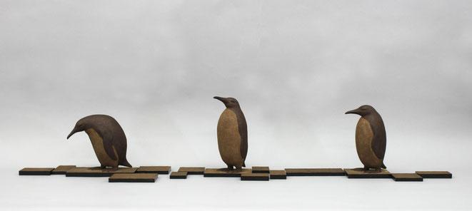 ペンギンstopⅠ(21×11.5×16.5cm),ペンギンstopⅡ(28×11×19cm),ペンギンstepⅠ(25×11×14.5cm)
