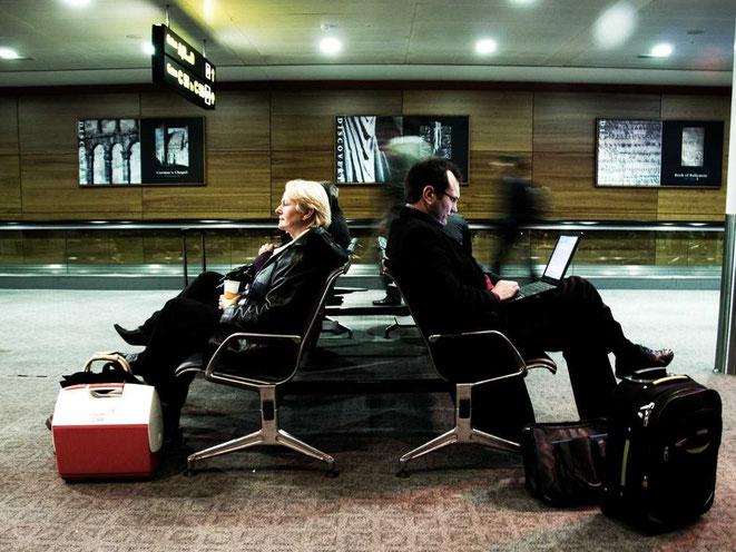 viaje de negocios, turismo negocios, viaje empresarial, consejos de viajes, sala de espera