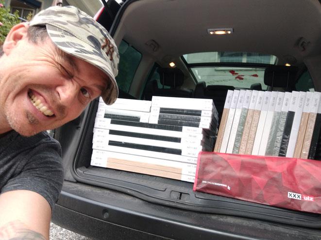 der Kofferraum ist voll mit Bilderrahmen und der XXXLutz in Vorarberg in diesen Formaten ausverkauft! :-)